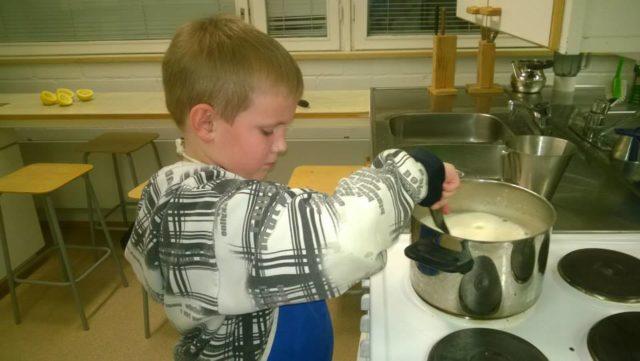 Keiton sekoitusta